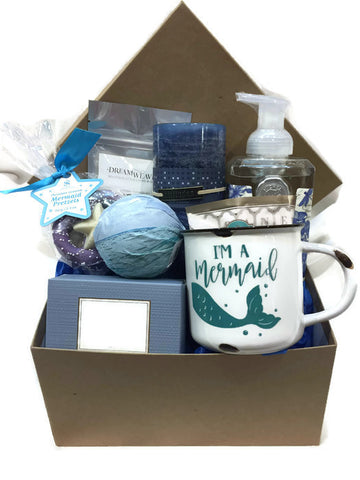 The Beach Mom Gift Basket