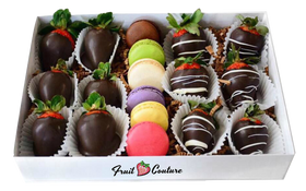 DIPPED STRAWBERRIES AND MACARON BOX SET