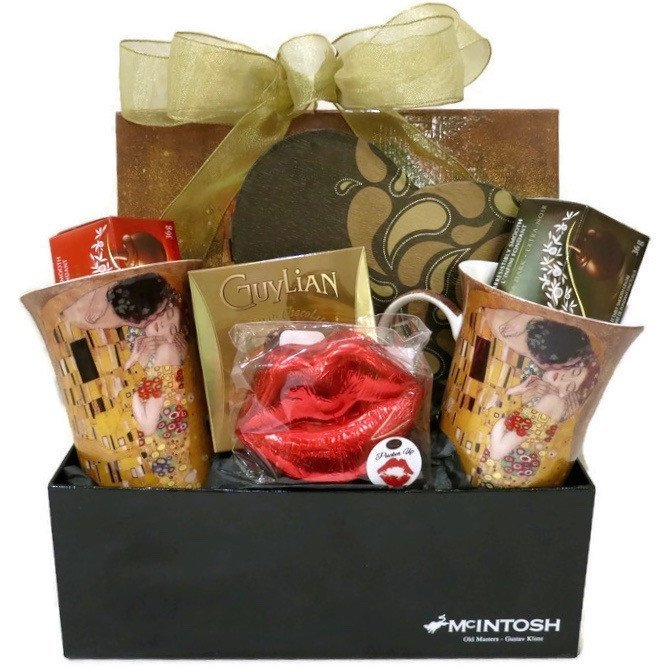 Gift Basket - Tea Lovers The Kiss Mug Gift Set