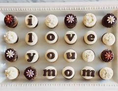 2-dozen mini cupcakes for Mom