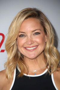 Kate Hudson in shame on jane necklace