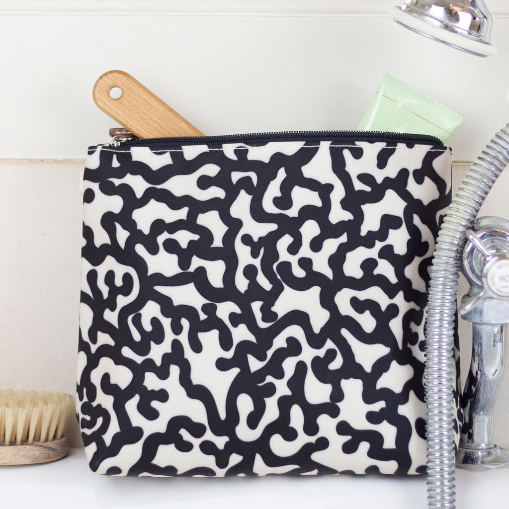 Coral Reef Tall Wash Bag