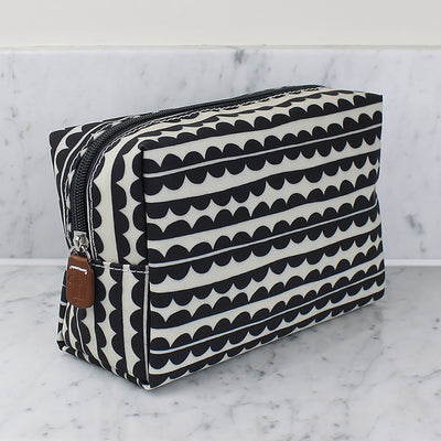 Scallop Cosmetics Bag