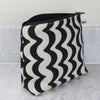 Wavy wash bag black and white
