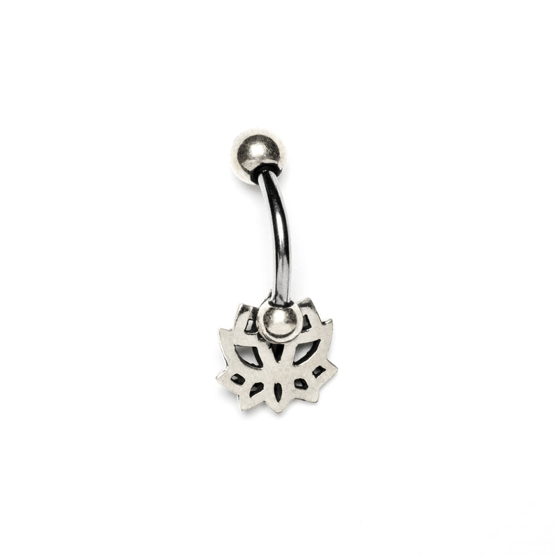 products/DelicateLotusBellyPiercing_whitebrass_2_311b362f-9cff-4eb6-8b00-e6bfde730066.jpg