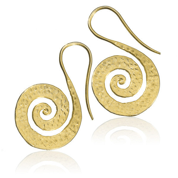 Indian Gold Earrings With Flat Hammered Spiral - Tribu  - 1
