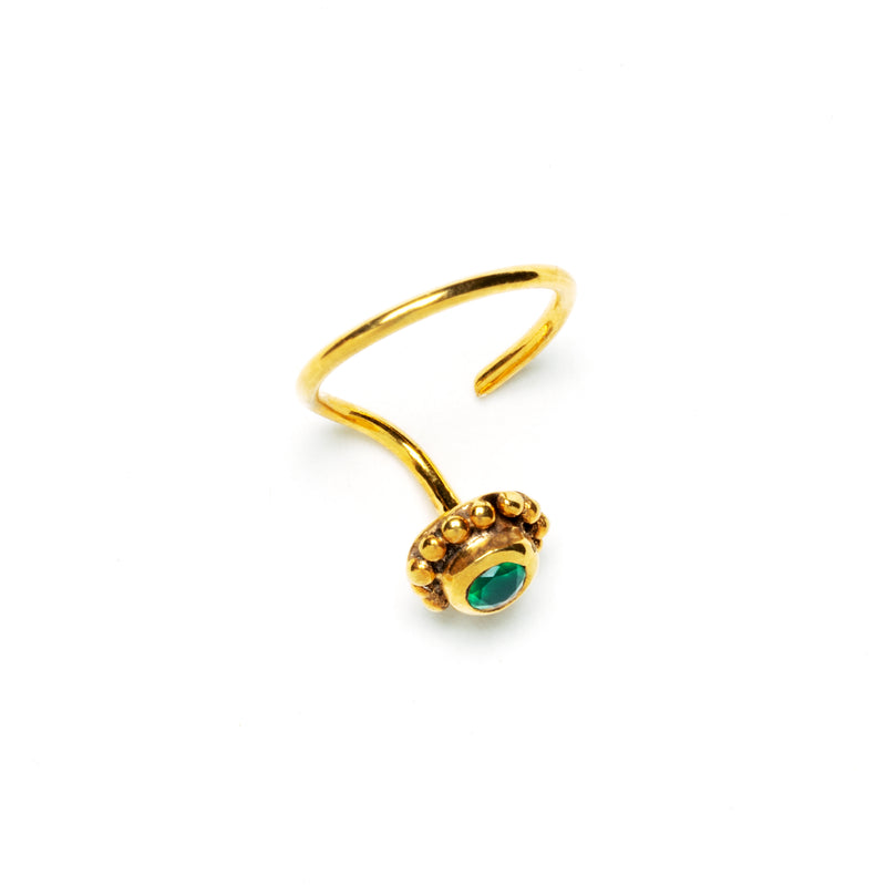 products/GoldenFlowerNoseStudwithPreciousStones_GreenOnyx_2_3291fe3a-ac88-4388-9d65-ec4d00edbe84.jpg