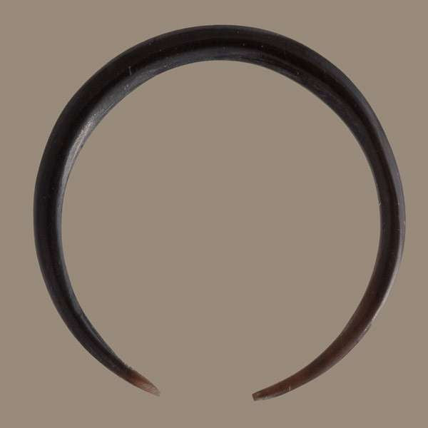 2mm Circular Horn Hook - Tribu