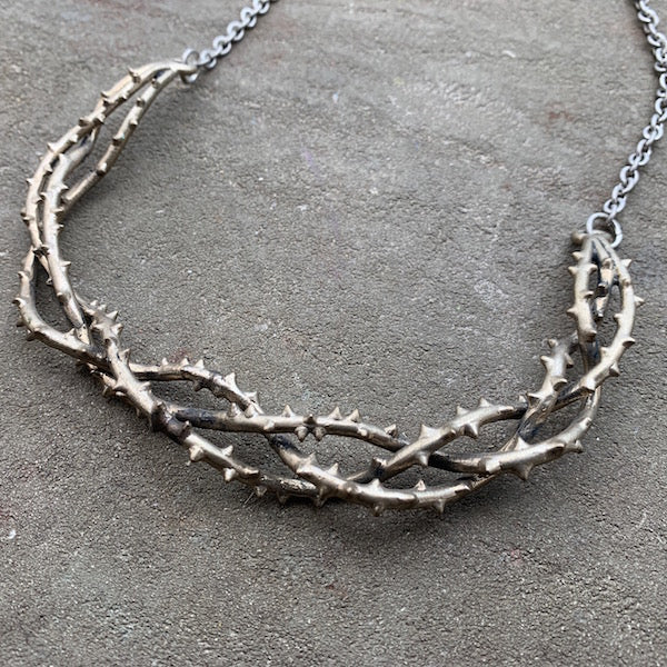 Thorn necklace
