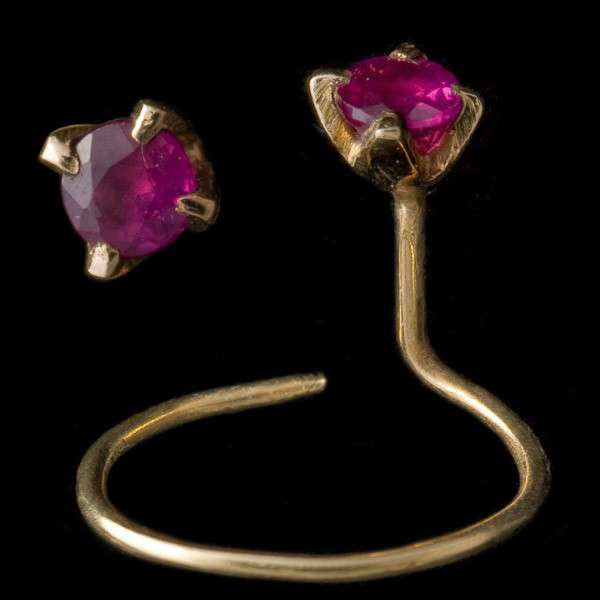 20 K Gold Nose Studs With Set Ruby - Tribu