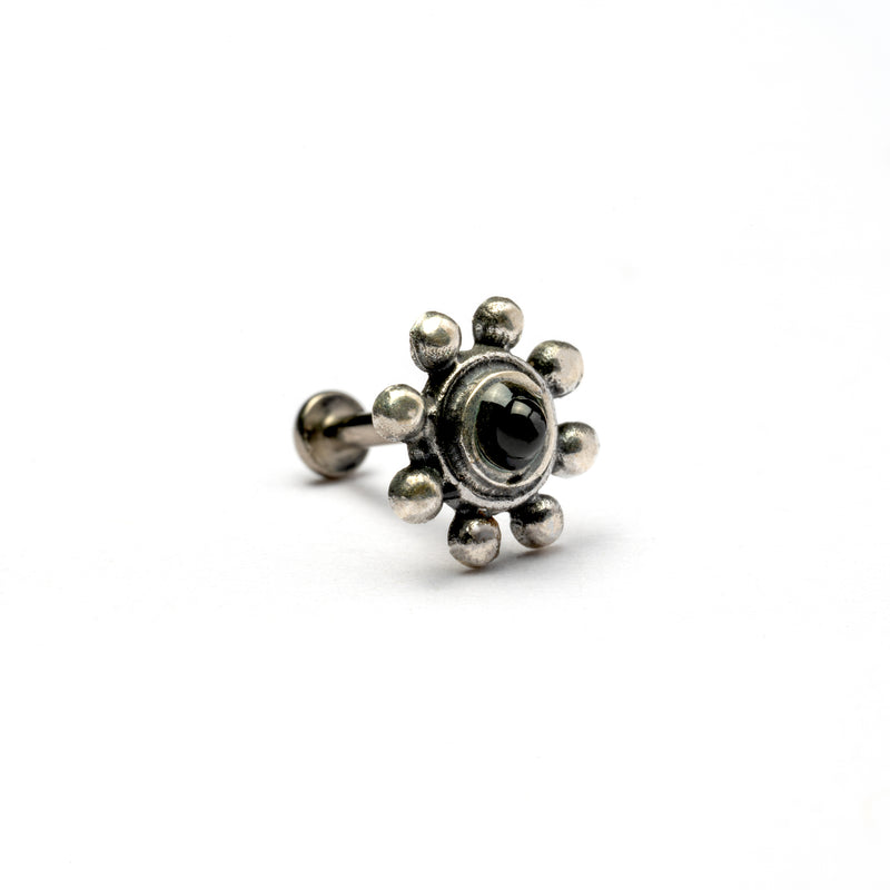 products/SilverFlowerwithBlackOnyxPiercing_2.jpg