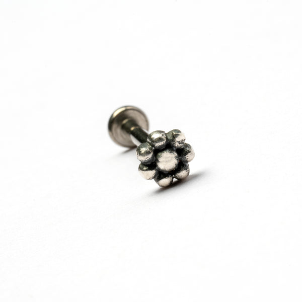 Silver Flower Threadless Bead Tragus