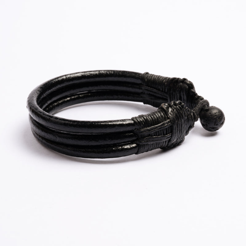 products/Three_Cords_Leather_Bracelet_black_1.jpg