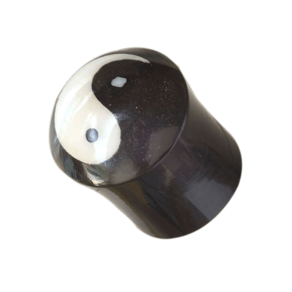 products/Yin_And_Yang_Horn_With_Bone_Plug.png
