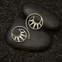 Spiral silver wire earrings with triangles