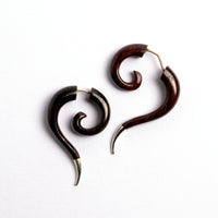 Haku Silver Con Black wood Fake gauged Earrings