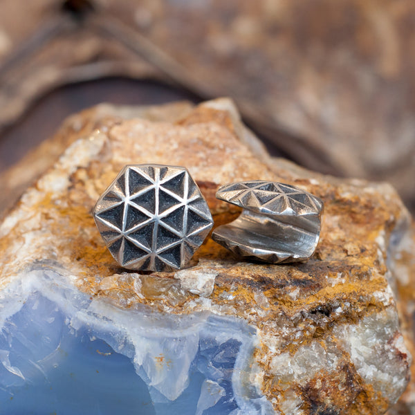 Silver coloured Geometric Mini-Ear Weight