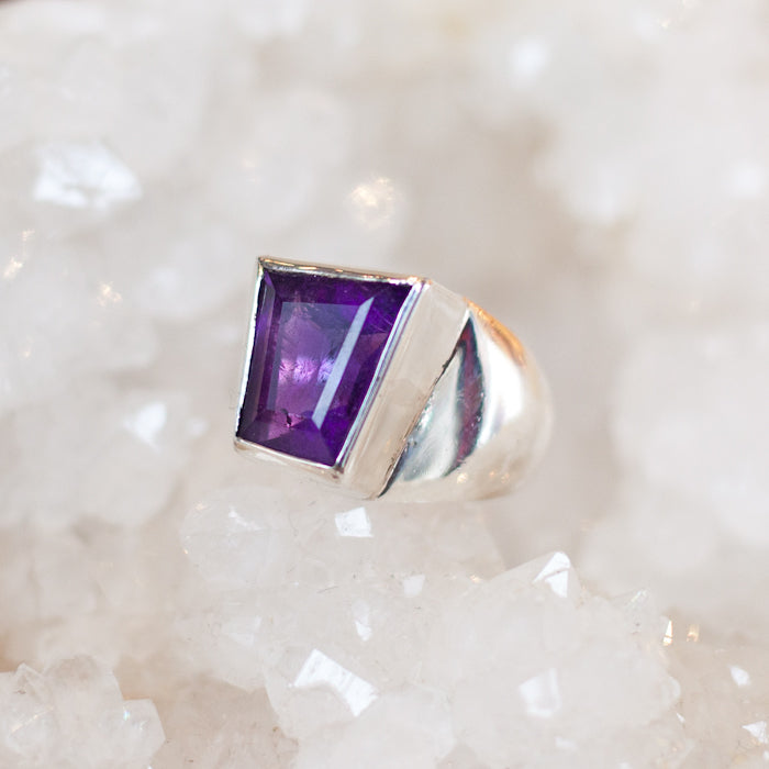 Silver ring with African Amethyst