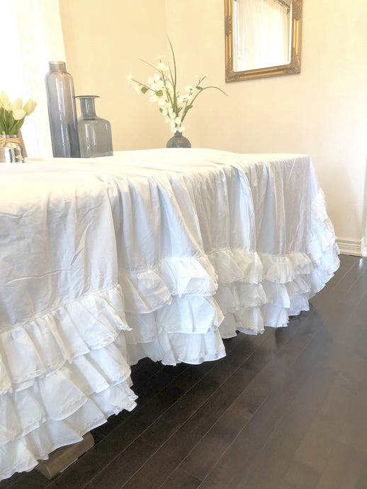 Ruffle Shabby Farmhouse Tablecloth