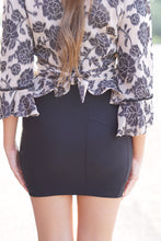 Load image into Gallery viewer, MID THIGH MINI SKIRT - Breazy's Boutique