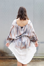 Load image into Gallery viewer, Tye dye twisted front detail robe kimono
