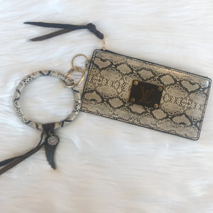 LV O RING KEY CHAIN W/PURSE