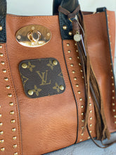 Load image into Gallery viewer, LV Medium Saddle Tan Tote