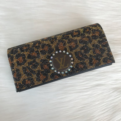 Let it Be Crystal Clear Leopard Clutch