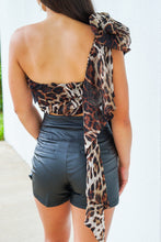 Load image into Gallery viewer, Torn Over You Leopard Crop Top