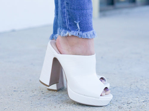 Look My Way Chunky Heel