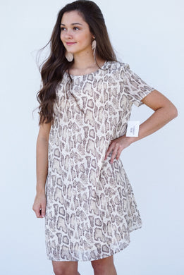 SHORT SLEEVE REPTILE SHIFT DRESS