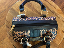 Load image into Gallery viewer, LV Cheetah Clutch Purses