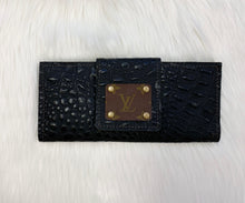 Load image into Gallery viewer, LV REPTILE BLACK WALLET