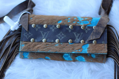 Turquoise Beauty Clutch - Breazy's Boutique