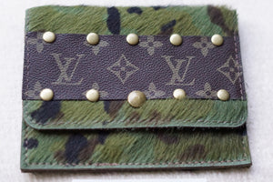 Lv Card Holder/Wallet - Breazy's Boutique