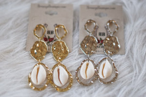 Shell Hammered Oval Earrings - Breazy's Boutique