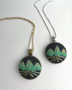 Triple Peak Necklace (Green)