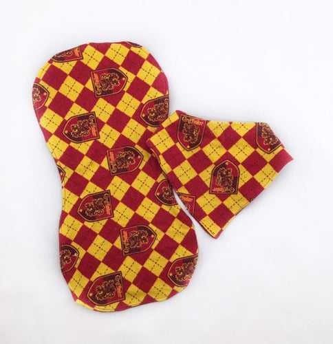 Drool Bib and Burp Cloth Set-Gryffindor - Vintage Pygmy
