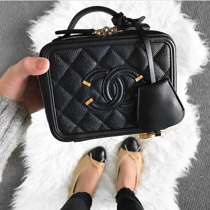 CHANEL VANITY CASE - Boss Ladies