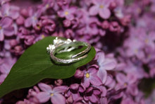 Load image into Gallery viewer, Emma Flower Ring