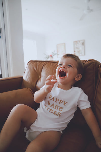 Happy Babe Vibes - White