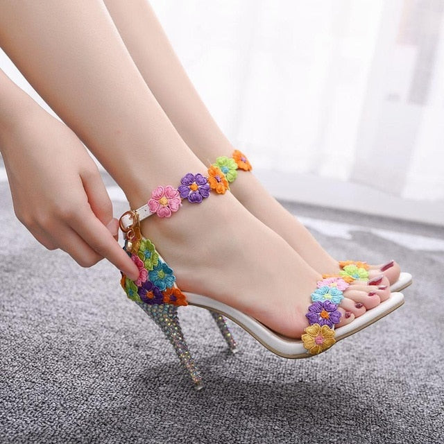 Sweet White Lace Flower Sexy Wedding Shoes Women Lacing Ankle Strap Peep Toe High Heel Sandals