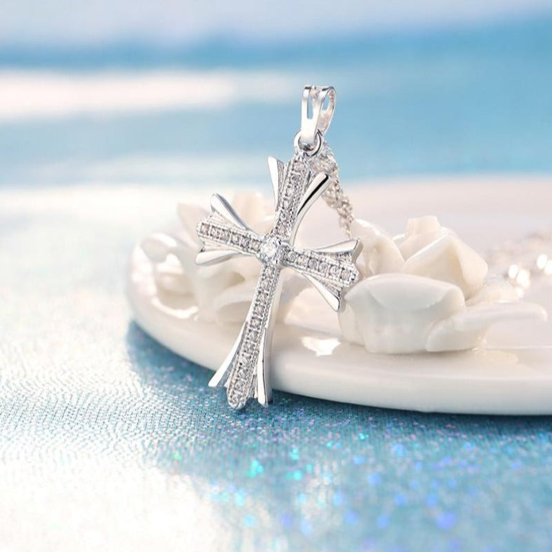 Classic Cubic Zircon Cross Pendant Elegant Silver Color Christian Jesus Necklaces for Women Jewelry Accessories