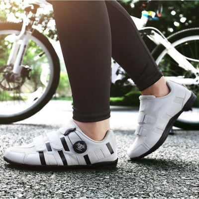 Men Mountain Bike Shoes MTB Pedals Cycling Shoes Breathable Self-Locking Bicycle Riding Shoes Racing Bicycle Sneakers