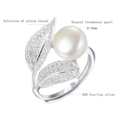 Romantic and Shiny Leaf Pearl Ring