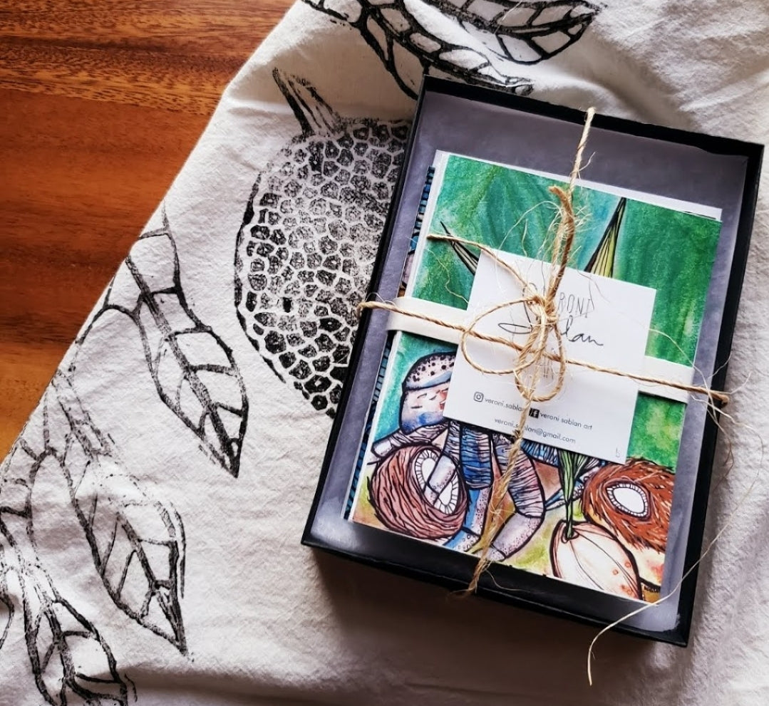 Assorted Art Cards Package