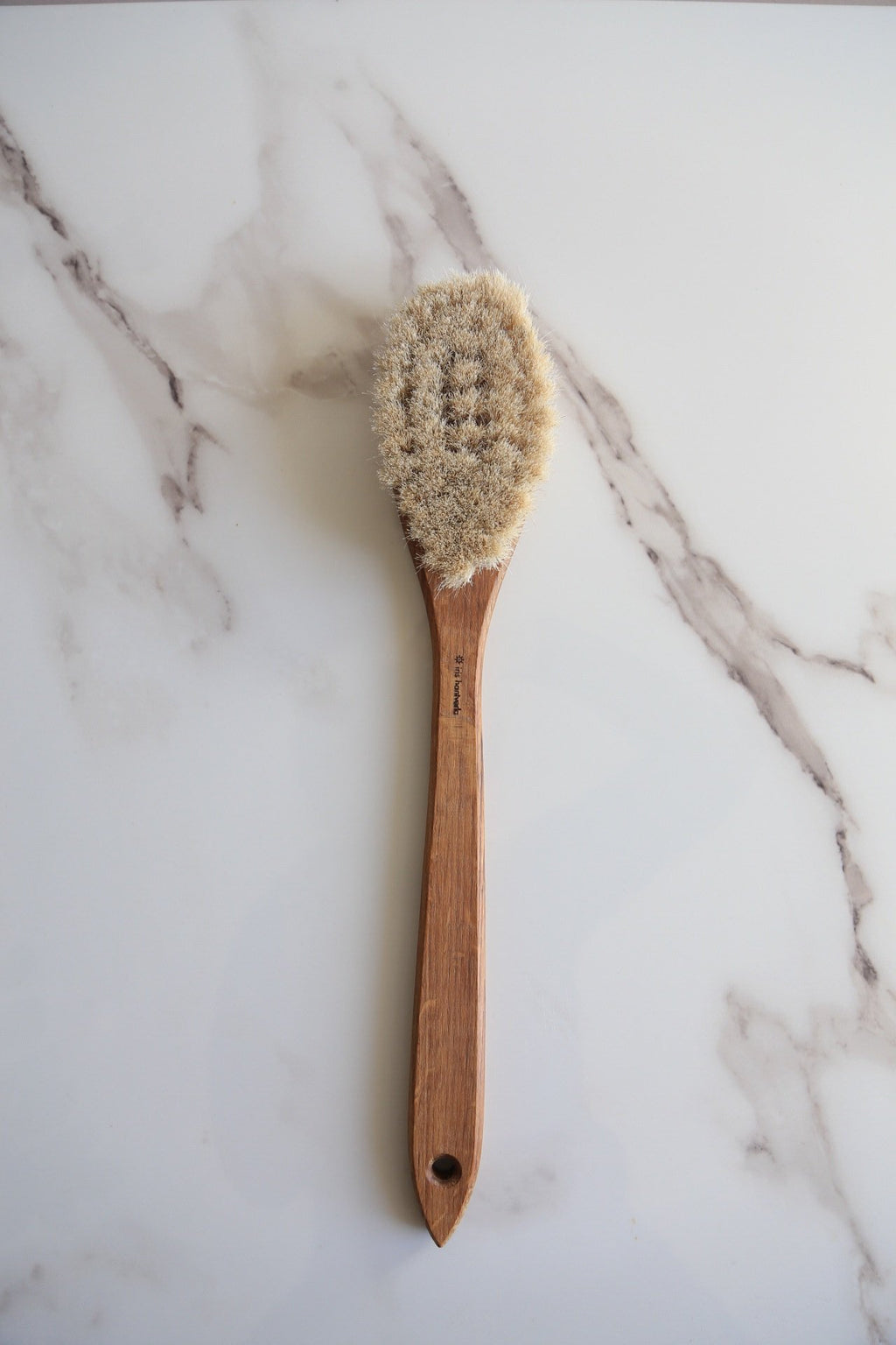 Oak Bath Brush with Long Handle - Noli