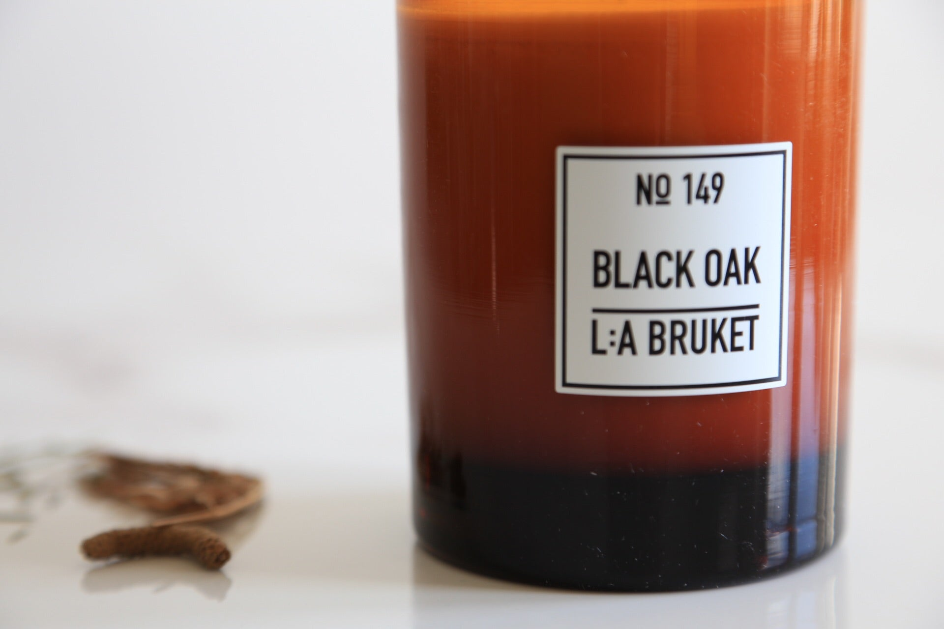 149 Scented Candle Black Oak - Noli