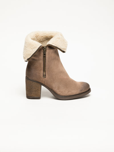 Bos&Co Tan Zip Up Ankle Boots