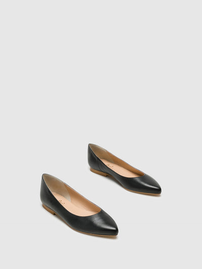 Bos&Co Black Pointed Toe Ballerinas
